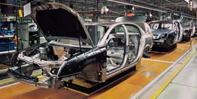 This picture represent a factory car production line to illustrate the coface press release